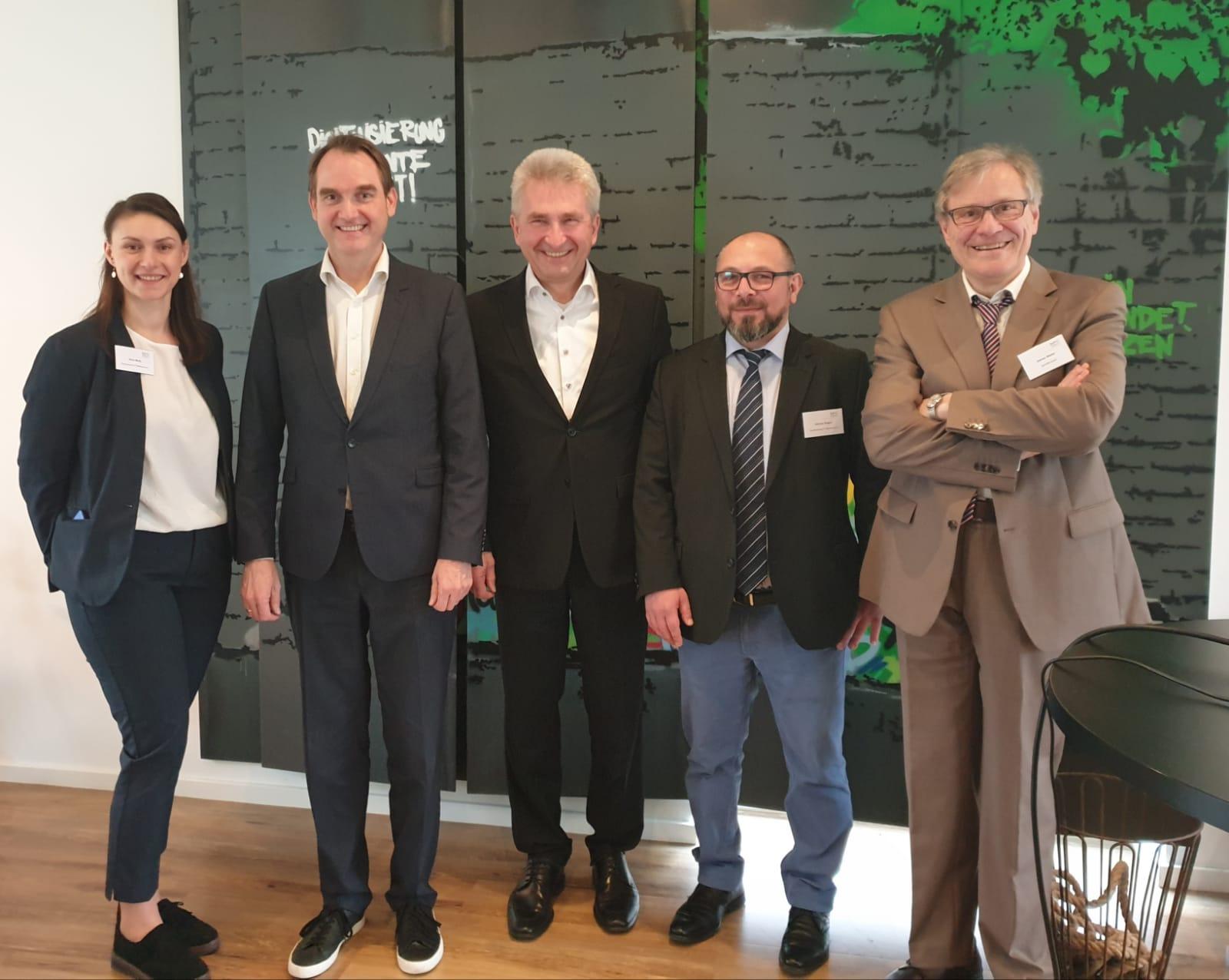 KIW stellt sich NRW-Minister Pinkwart vor